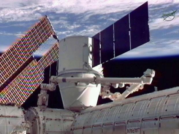 Nave produzida por empresa foi acoplada à Estação Espacial (Foto: Nasa/Reuters)
