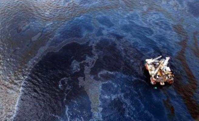 Ελληνίδες έφτιαξαν «σφουγγάρι» που εξαφανίζει πετρελαιοκηλίδες
