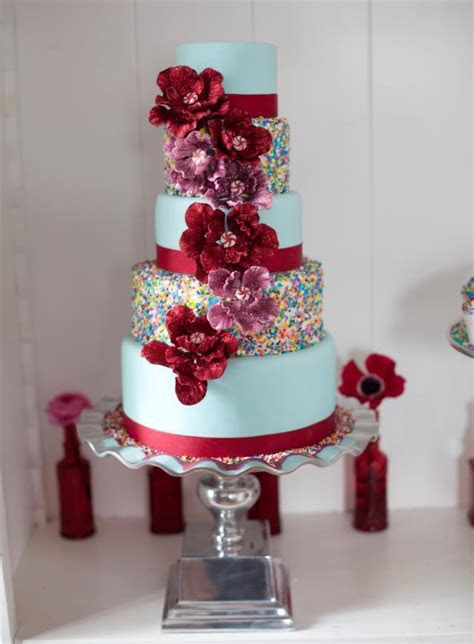 10 Colorful Wedding Cakes