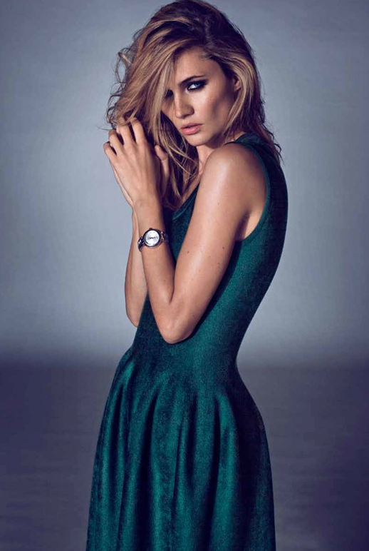 LE FASHION BLOG EDITORIAL COSTUME MAGAZINE GREEN SHIMMER TULIP SLEEVELESS DRESS ROUND SIMPLE WATCH 6