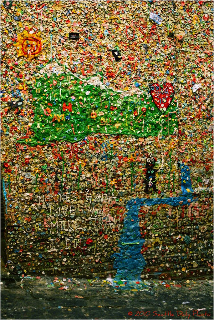 A Lovely Pastoral Scene @ the Gum Wall