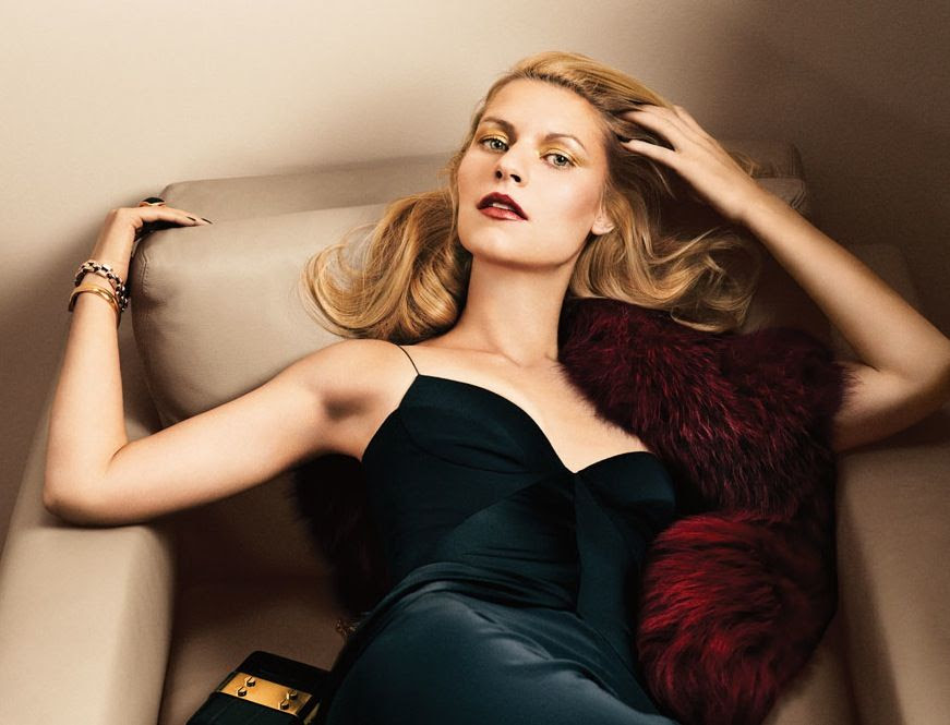 LE FASHION BLOG CLAIRE DANES INTERVIEW MAGAZINE Photography Fabien Baron Stylist Karl Templer GOLDEN GLAM CHIC GLAMOUR HAIR VOLUME GOLD SHIMMER EYESHADOW BURGUNDY LIPS LIPSTICK BLACK NAILS MANICURE BLACK SILK SLIP DRESS: NARCISO RODRIGUEZ. RED BURGUNDY FUR STOLE: MARNI. CHAIN YELLOW GOLD CLEAN MINIMAL  BRACELET: SAINT LAURENT BY HEDI SLIMANE. WATCH: CAMILLA DIETZ BERGERON. RING: MAIYET. CLUTCH: GOLD AND BLACK TOM FORD.  2 photo LEFASHIONBLOGCLAIREDANESINTERVIEWMAGAZINE2.jpg