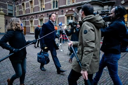 TREND ESSENCE:Government in Netherlands Resigns After Benefit Scandal