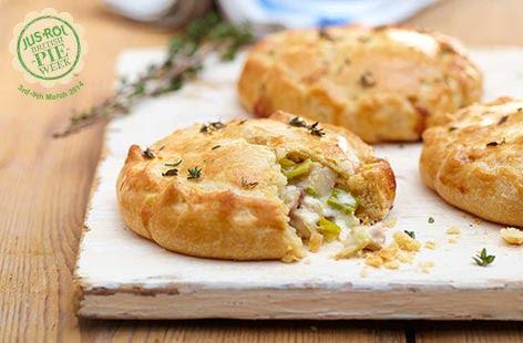 Chicken and leek no-dish pies | Tesco Real Food