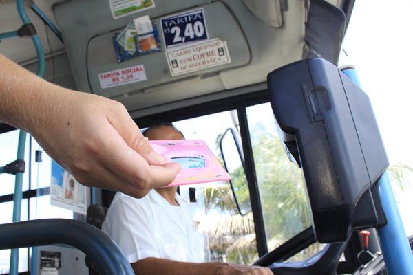 Catracas dos ônibus estarão reprogramadas a partir de hoje para cobrança do valor antigo das passagens