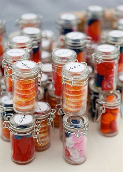16 Cheap But Unforgettable Wedding Favor Ideas for Your