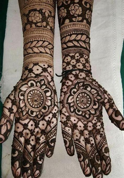 Pakistani Henna Art Ideas for New Year