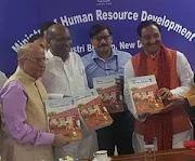 EDUCATION POLICY : मोदी सरकार ने राष्ट्रीय शिक्षा नीति के मसौदे में किया बड़ा बदलाव, हिंदी की अनिवार्यता हुईखत्म