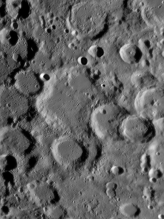 MoonOrontius122806.jpg