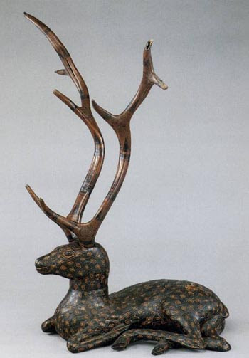 Marquis  of Yi's painted lacquer deer