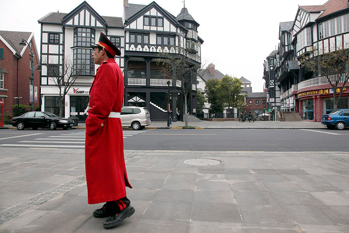 Faketouristattractions: Thames Town China