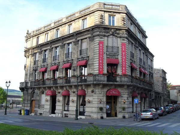 Vie quotidienne de FLaure : restaurant le théâtre - Epernay