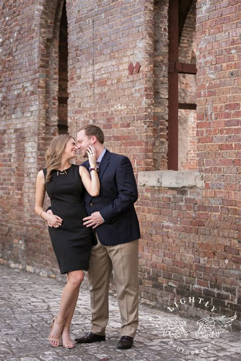 Leah & Grant Engagement ? Botanic Gardens and Downtown