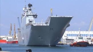 El portaavions entrant al port de Tarragona