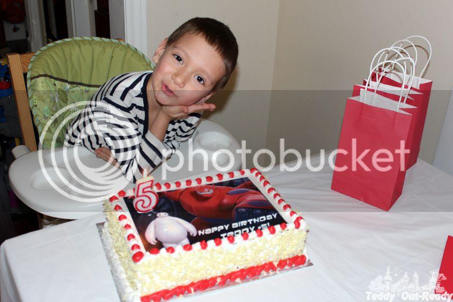 Baymax Teddy Cake