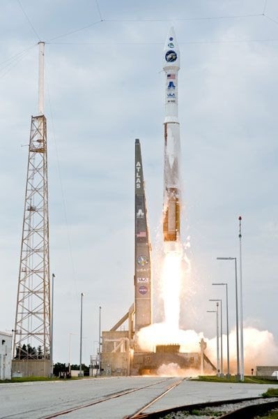 An Atlas V 401 rocket, which is the same vehicle configuration that will send MAVEN to Mars this November, launches NASA's Lunar Reconnaissance Orbiter to the Moon on June 18, 2009.