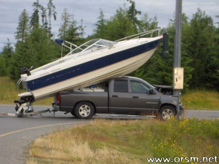 -funniest-thing-you-ever-saw-boat-ramp-how_to_load_a_boat_01-jpg