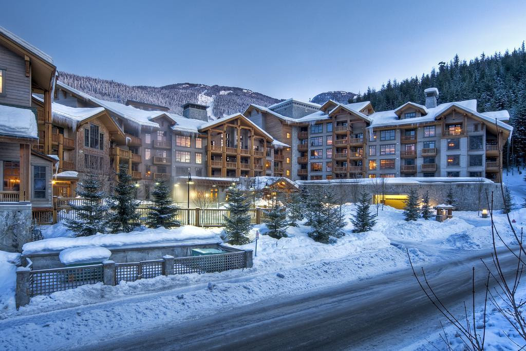 First Tracks Lodge Reviews