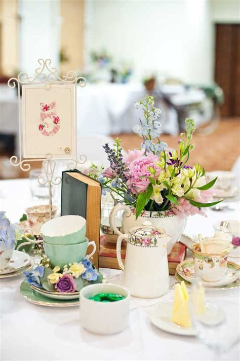 8 Inspirational Table Centre Ideas for Spring and Summer
