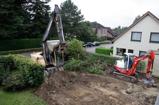 Top 5 Things to Consider when Digging in your Backyard