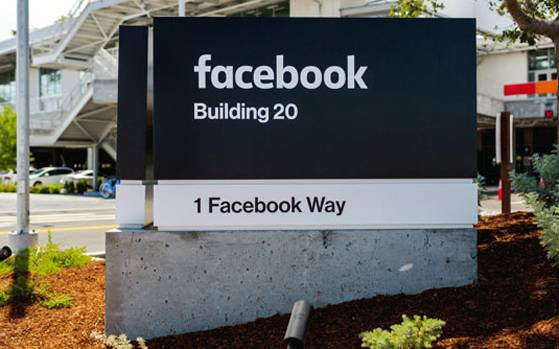 Want to avoid tracking by Facebook? Log out twice