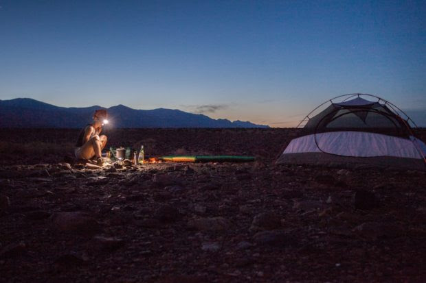 A Checklist of Essential Items For a Safe and Enjoyable Camping Trip