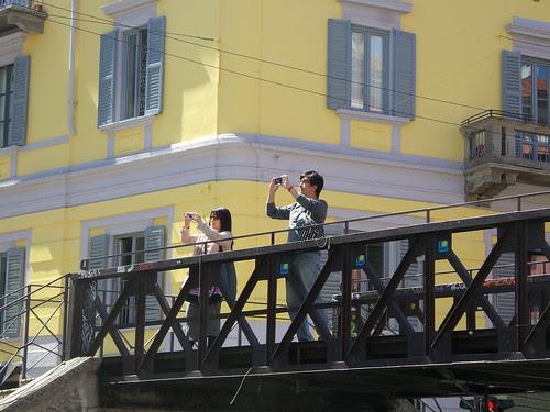 Sul ponte delle fotografie by Ylbert Durishti
