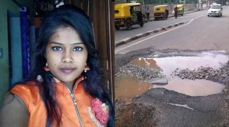Bengaluru potholes clai   m fourth victim this month: A 21-year-old woman on scooter
