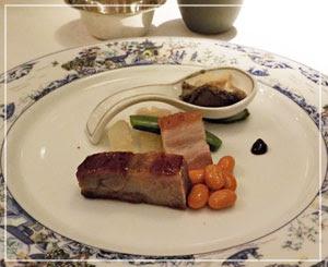 パレスホテル東京「琥珀宮」にて、前菜盛り合わせ。モダンで綺麗♪