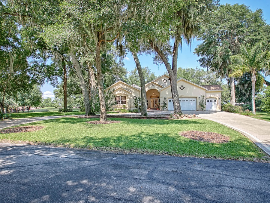 The Villages: 5 Homes For Sale in One of FLs Best Places to Retire