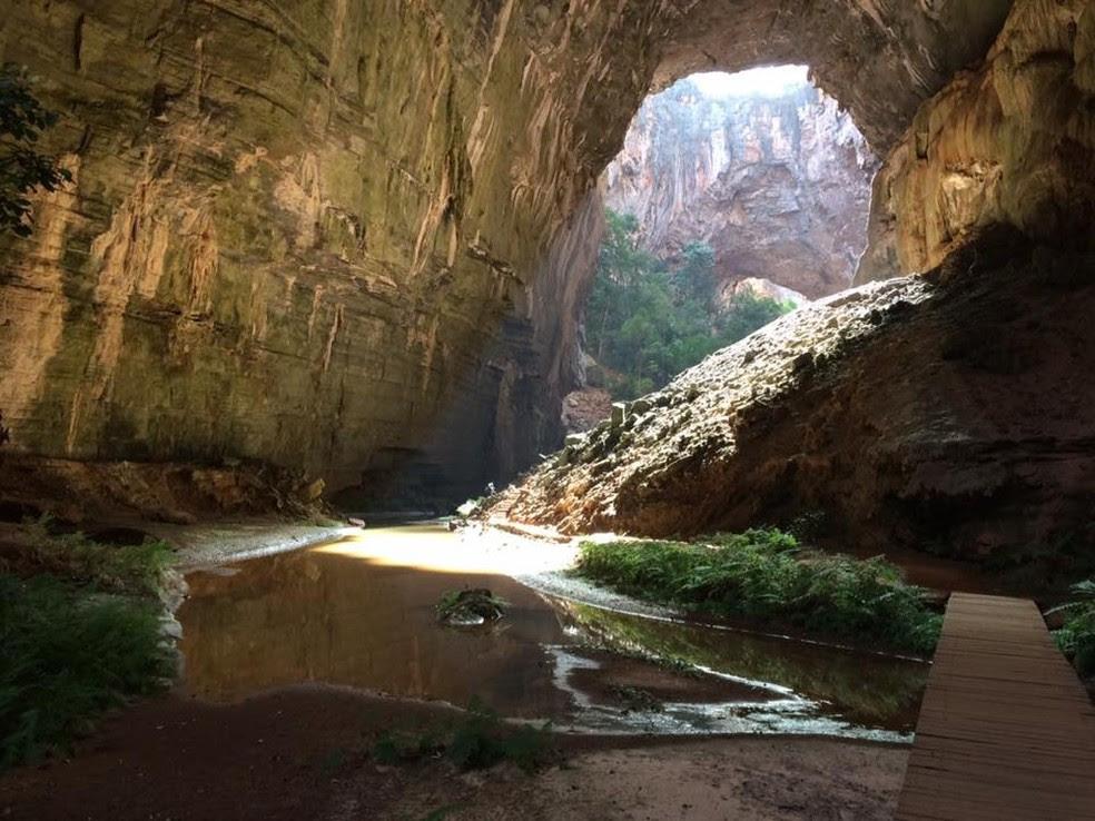 Belezas naturais das cavernas do Parque do Peruaçu atraem turistas do mundo todo (Foto:  Fábio Borghi/Inter TV)