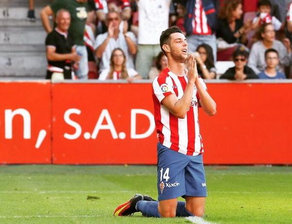Jorge Franco Alviz (Burguillos del Cerro, Badajoz, 29 de octubre de 1993), conocido como Burgui, es un futbolista español que juega como delantero en el Real Sporting de Gijón de la Primera División de España, cedido por el Real Madrid Club de...