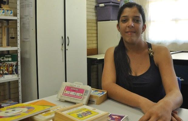 Franciele Dias Oliveira é uma das alunas da escola acessível em Avelinópolis, Goiás (Foto: Vitor Santana/G1)