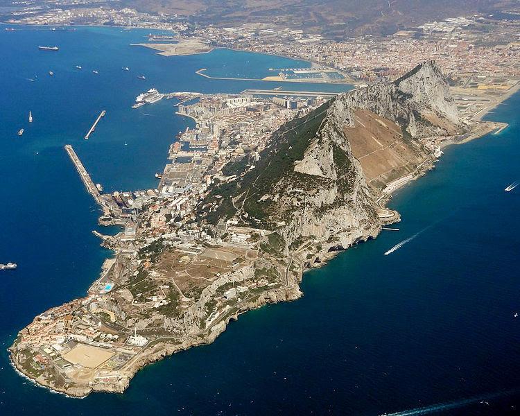 Archivo: Gibraltar vista aérea mirando northwest.jpg