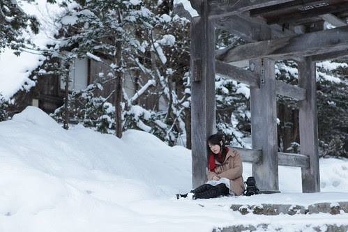 [LAST FRAGMENTS OF WINTER] The girl (Arisa Koike) waking up in front of a temple