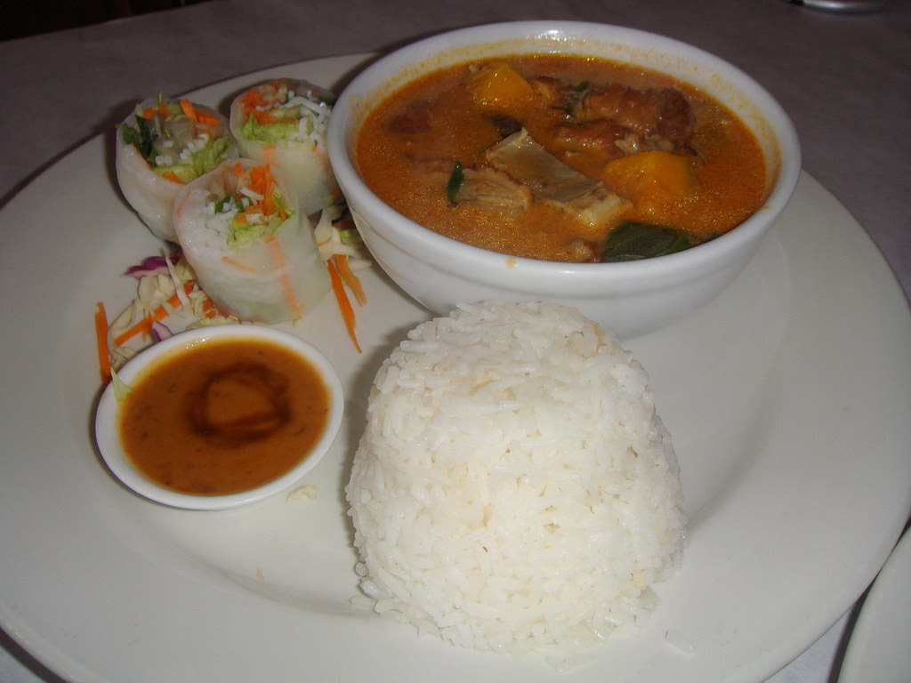 Fresh Roll with Pumpkin Curry