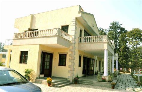 kumar farm house south delhi  horizon design studio