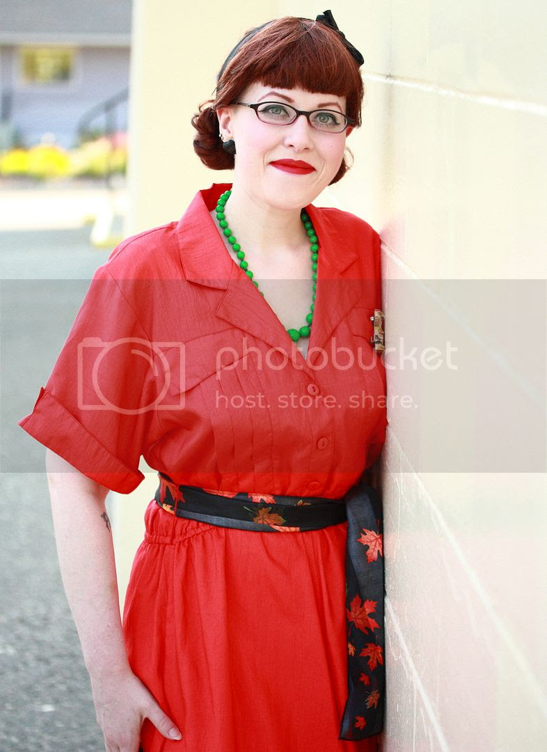 photo VintageCanadaDayoutfittotempolebroochredshirtwaistdress_9_zps95b27caa.jpg