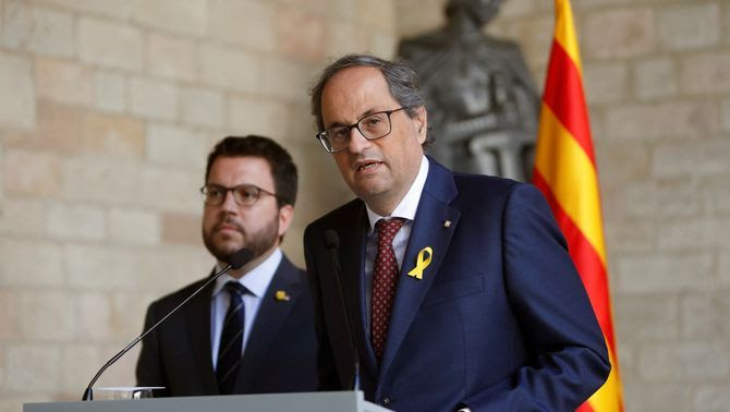 El president Quim Torra i el vicepresident Pere Aragonès, al Palau de la Generalitat (EFE)