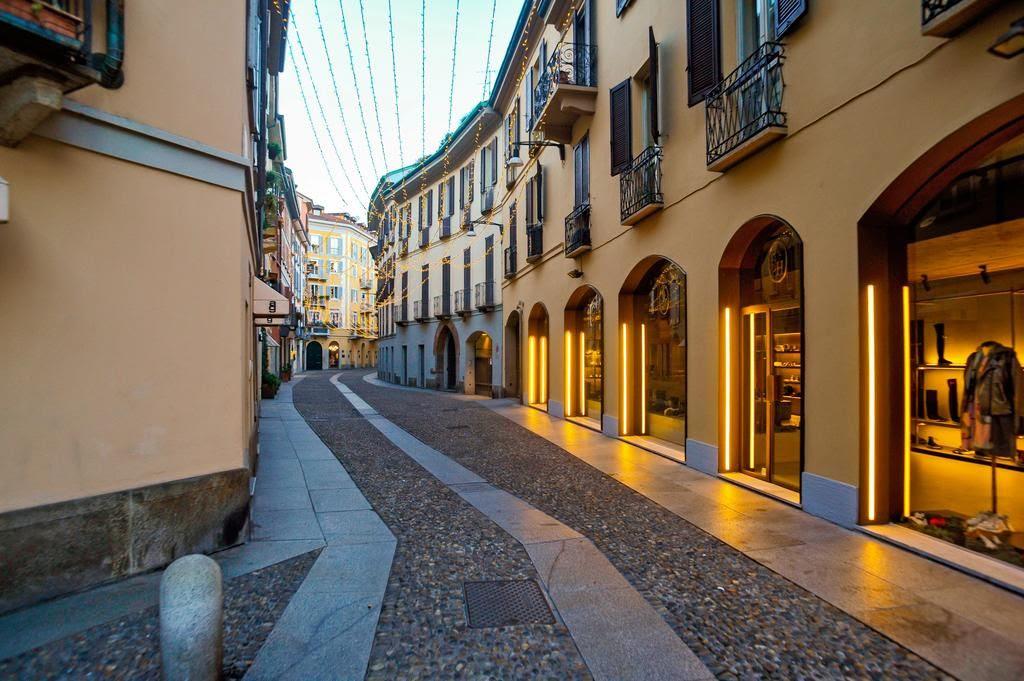 The Unique, Milan