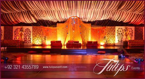 Fantastic merigold mehndi stage decoration in Pakistan