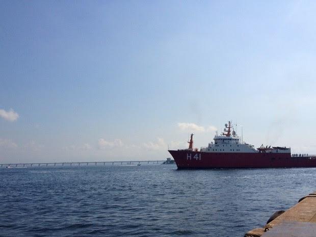 O Navio Polar Almirante Maximiano foi atracado no Rio de Janeiro na manhã desta quinta-feira (18). (Foto: Cristiane Cardoso / G1)