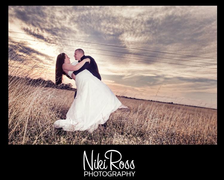 bride&groom-sunset-dip