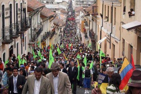 In Ecuador oggi la vita viene prima del debito. M5S con la Revolucion Ciudadana