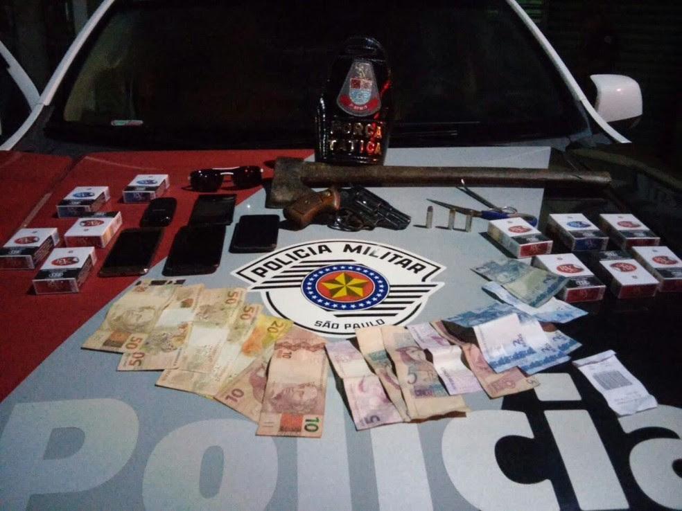 Grupo é suspeito de praticar outros roubos na região (Foto: Divulgação/Polícia Militar)