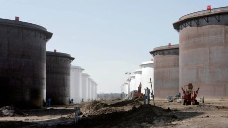 Oil Glut Full Tanks