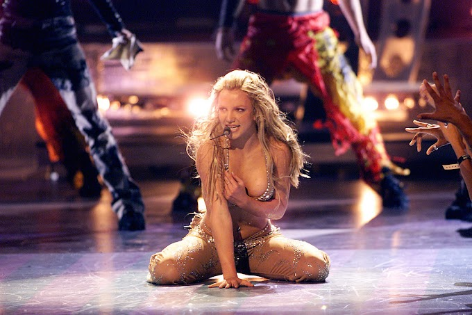 Britney Spears - Oops!...I Did It Again (VMA 2000 Mix)