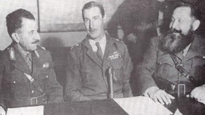 Στέφανος Σαράφης, Ρόναλντ Σκόμπι και Ναπολέων Ζέρβας κατά την υπογραφή της Συμφωνίας της Καζέρτας.
