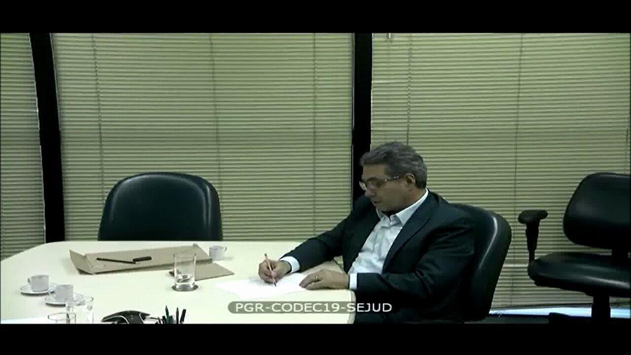 Sobre repasses a Cunha, executivo diz que senha era: 'Está dando alpiste pros passarinhos?