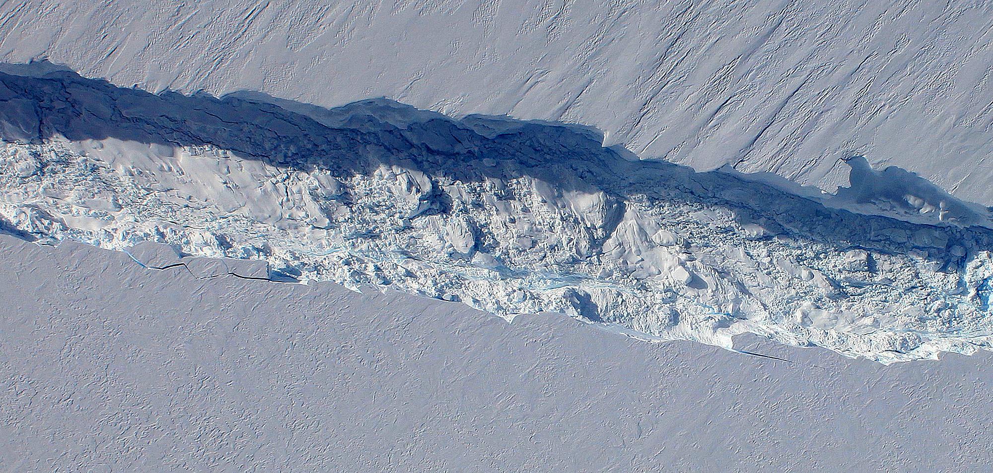 Image result for antarctica ice shelf split
